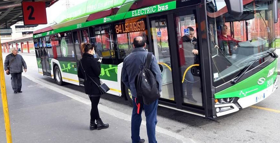 vietato fumare milano mezzi pubblici